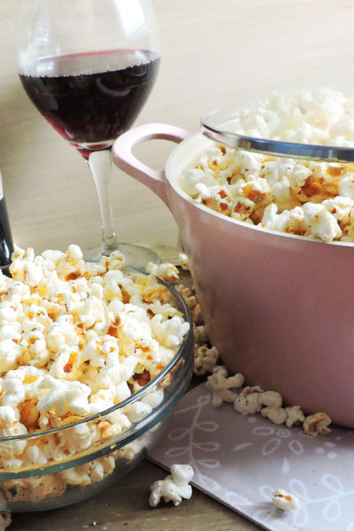 Scandalous Stove Top Spicy Garlic Popcorn