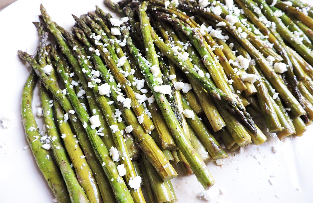roasted balsamic asparagus feta