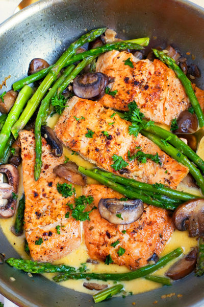 Creamy One-Pot Garlicky Salmon & Asparagus