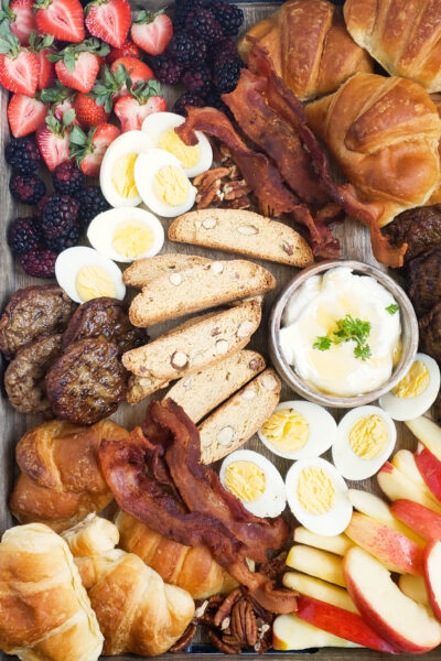How to Make an Amazing Holiday Breakfast Charcuterie Board