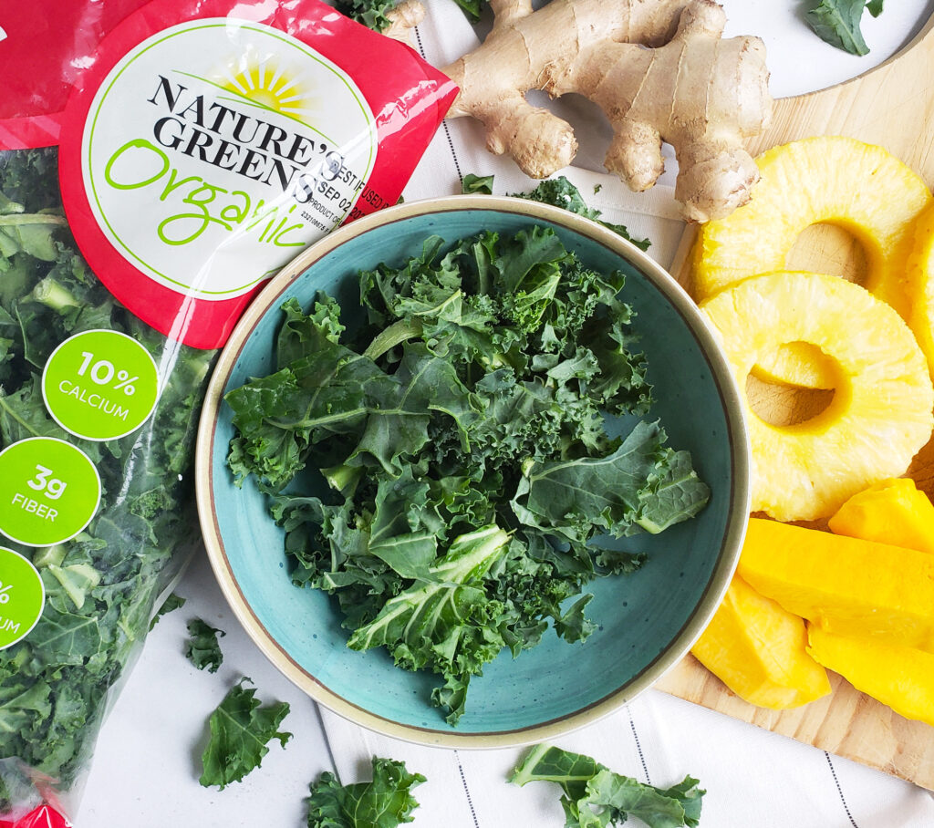 This immune-boosting Kale Mango Pineapple Ginger Smoothie is ready in less than 5 minutes and is packed full of tasty, nutritious goodness. beautifuleatsandthings.com