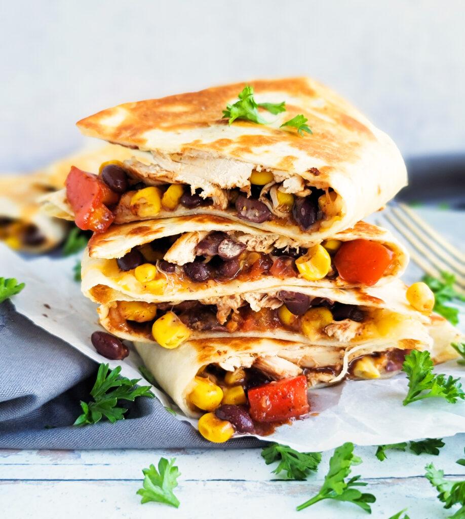 Quick & Easy 5 Day Dinner Meal Plan. dinner menu: chicken quesadillas  beautifuleatsandthings.com